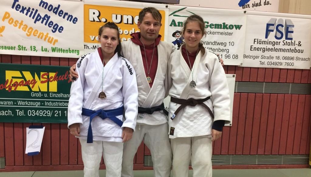 Christian, Anna und Susi mit Medaillen